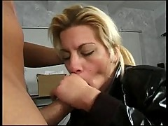 Horny hottie loves blowing a big hard cock