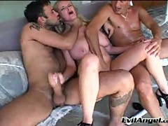 Blonde milf in threesome juggicide