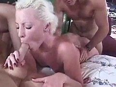 Blonde and brunette groupsex