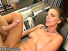 A Sexy MILF Nearing A Wonderful Climax