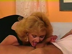 Blonde slut crawls on sleeping stud