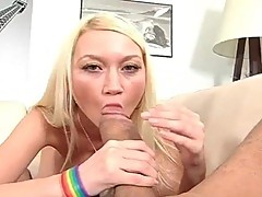 Knockers Blonde hoe blows big erection