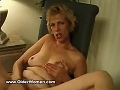 Mature wife jackin off