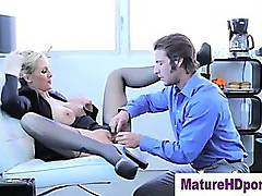 Blonde cougar uses toy in her pussy