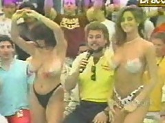 Funny-Retro mom titty bouncing