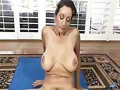 Busty Arabian Girl Demonstrates Her Daily Workout For Hairy Pussy