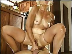 Refractory Miwlf With A Satisfactory Cooter, Kathy Jones, Does Some Anal