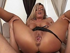 Sexy Kristal Summers attracts hunky stud