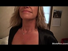 Milf housecleaner sucks me off