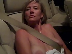 Mature Show Pussy in Car xLx