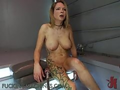 Insatiable Milf Gets Pleased With A Fucking Machine